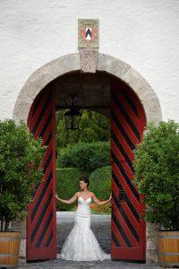 Braut im Schloss Spiez, Hochzeit Schloss Spiez, Hochzeitsfotograf Schloss Spiez