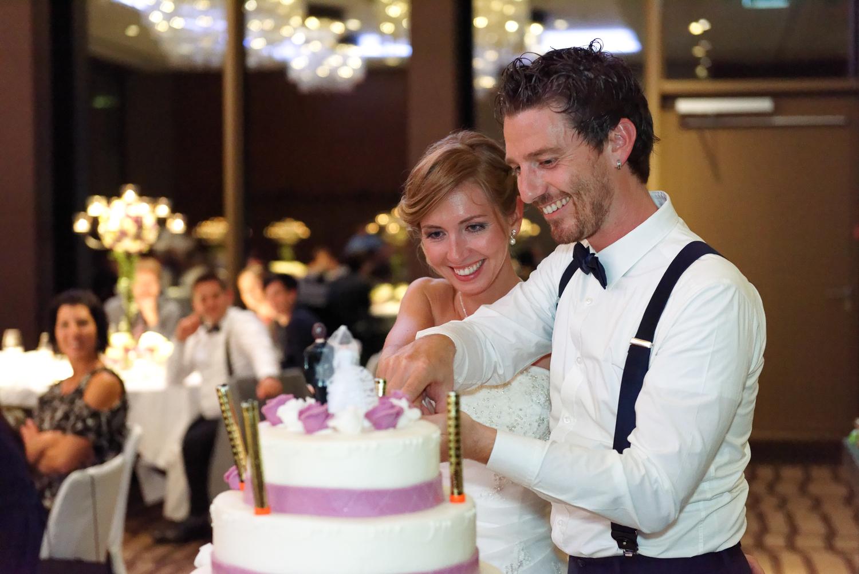 Hochzeitstorte anschneiden im Bürgenstock