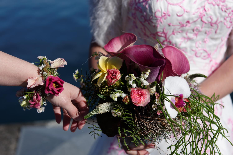 Brautstrauss Interlaken, Fotoshooting am Thunersee, Heiraten im Berner Oberland