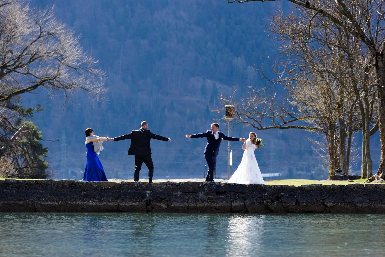 Brautpaar im Neuhaus, Hochzeit in Interlaken, Harder Kulm Trauung
