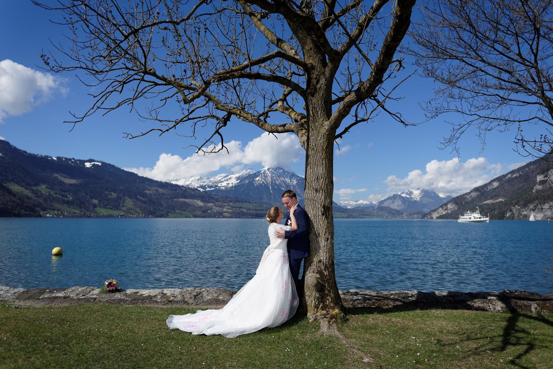 Fotoshooting im Neuhaus am Thunersee, Heiraten im Berner Oberland
